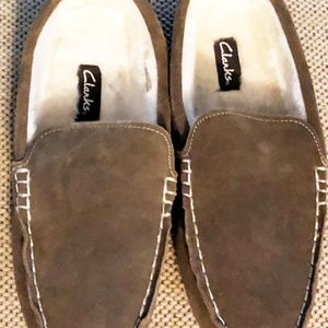 Clark mens new slippers size 13M suede venetian